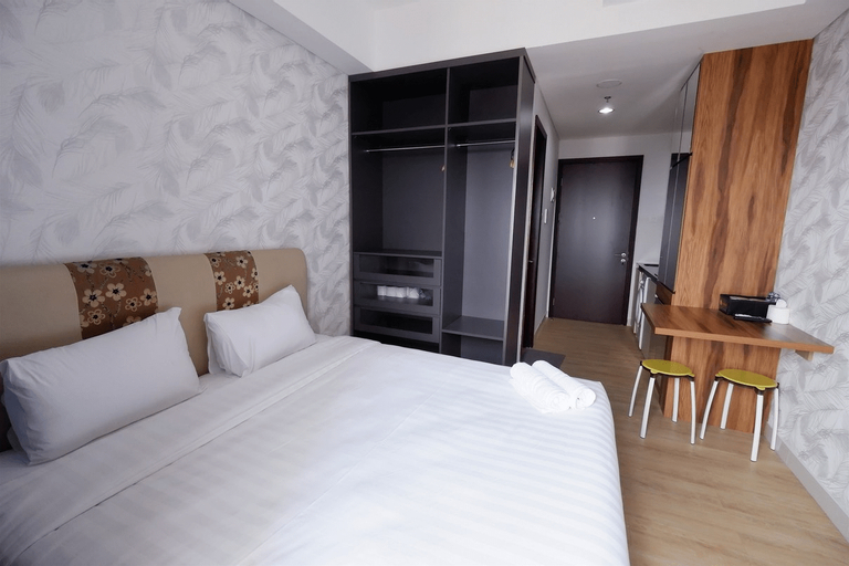 Comfortable Studio Puri Mansion Apartment By Travelio, Jakarta Barat