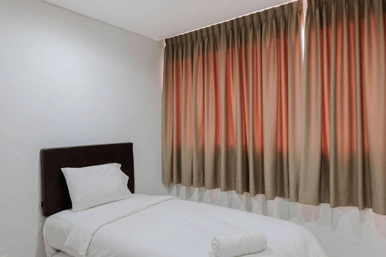 Luxurious and Comfy 2BR Paddington Heights Alam Sutera Apartment By Travelio, Tangerang