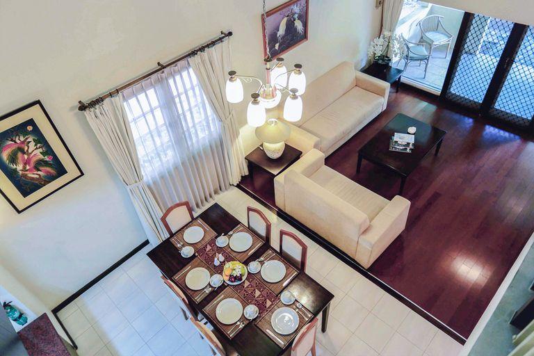 Whiz Residence Darmo Harapan Surabaya, Surabaya
