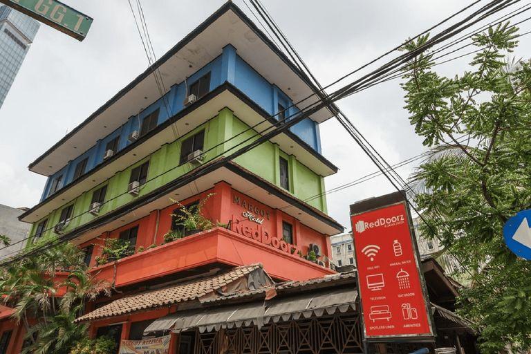 RedDoorz @ Jalan Jaksa, Jakarta Pusat