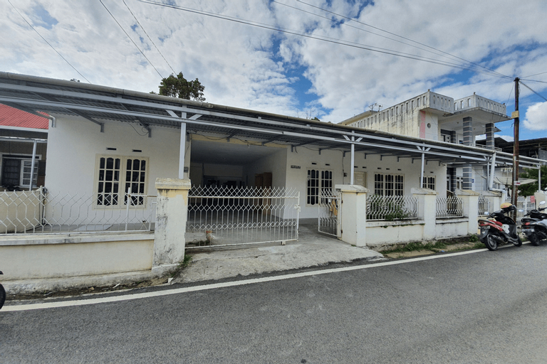 OYO 2198 Fatima Guest House Syariah, Bukittinggi