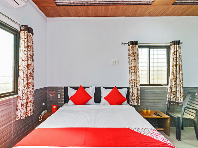 OYO 27730 Pawna Lake House, Pune