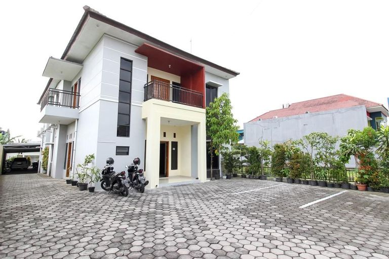 Reddoorz near Rumah Sakit Condong Catur, Sleman