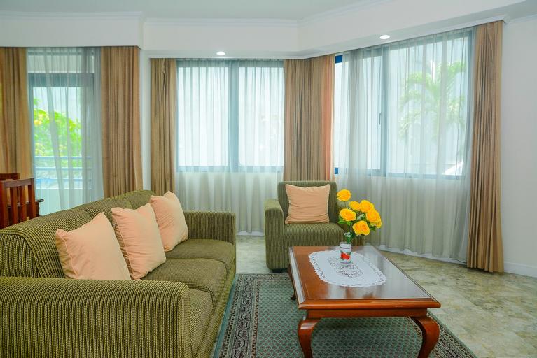 Spacious 3BR Prapanca Apartment near Lippo Mall Kemang By Travelio, Jakarta Selatan