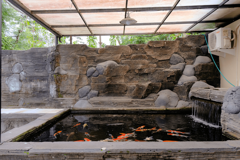 SPOT ON 2448 Hotel Tlogorejo 2, Ponorogo