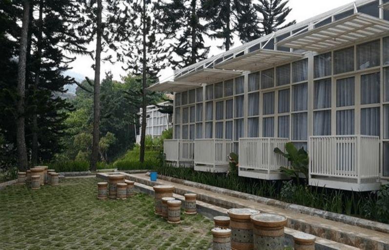 Bukit Cikahuripan Resort, Bandung