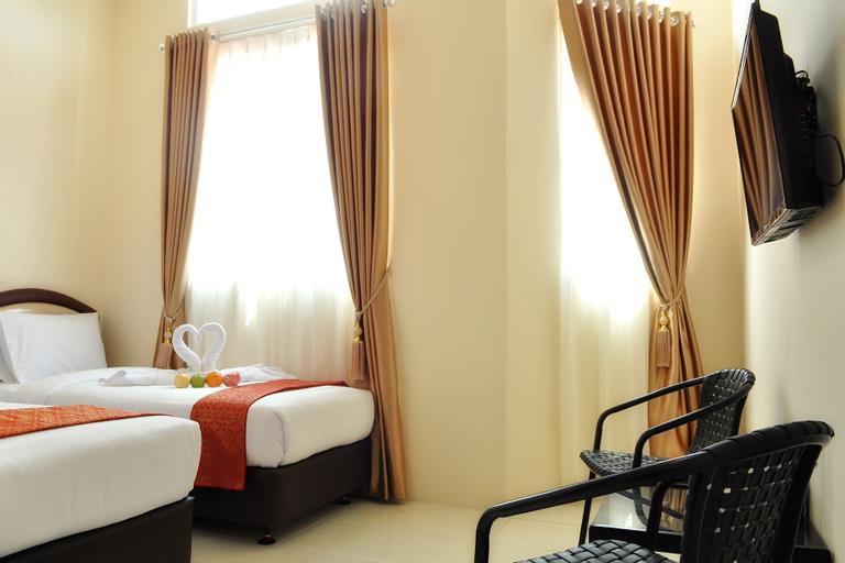 Mongonsidi Hotel, Padang