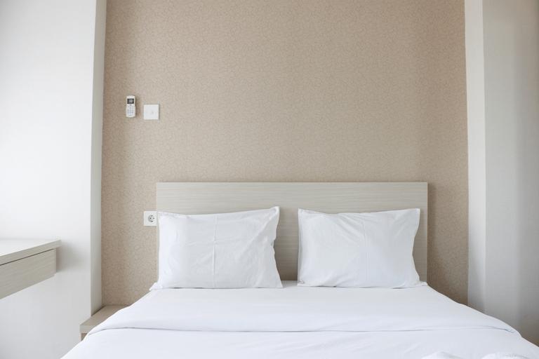 Minimalist Studio Room Taman Melati Apartment Jatinangor By Travelio, Sumedang
