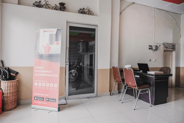 RedDoorz @ Jalan STM Medan, Medan