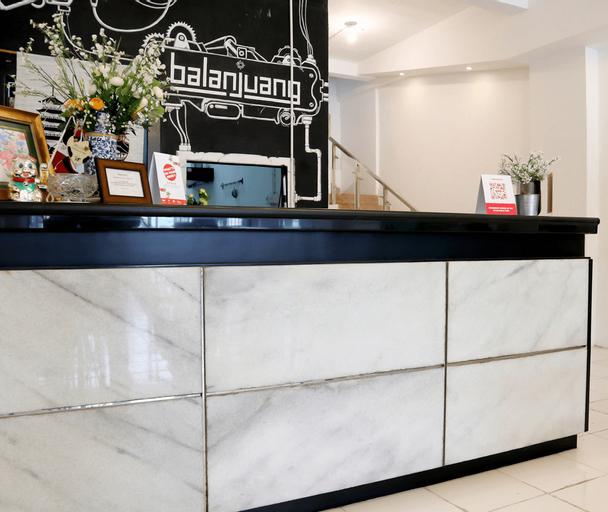OYO 1191 Monalisa Residence And Cafe, Padang