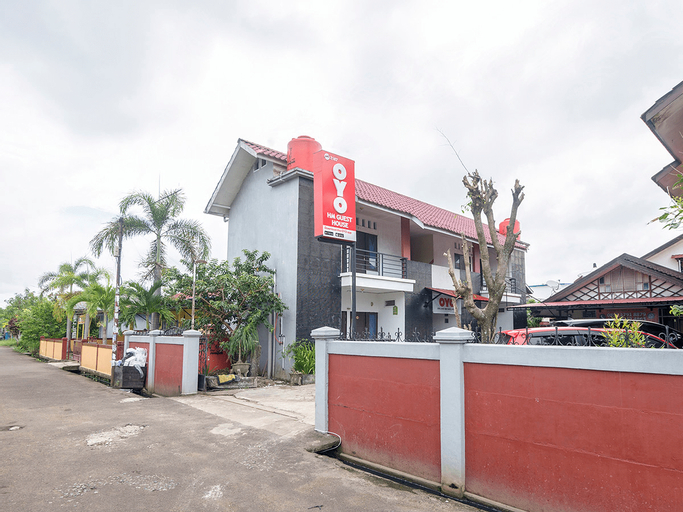 OYO 2187 Hm Guest House, Pontianak