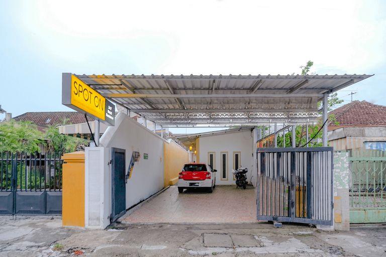 SPOT ON 2417 Melati Residence, Blitar