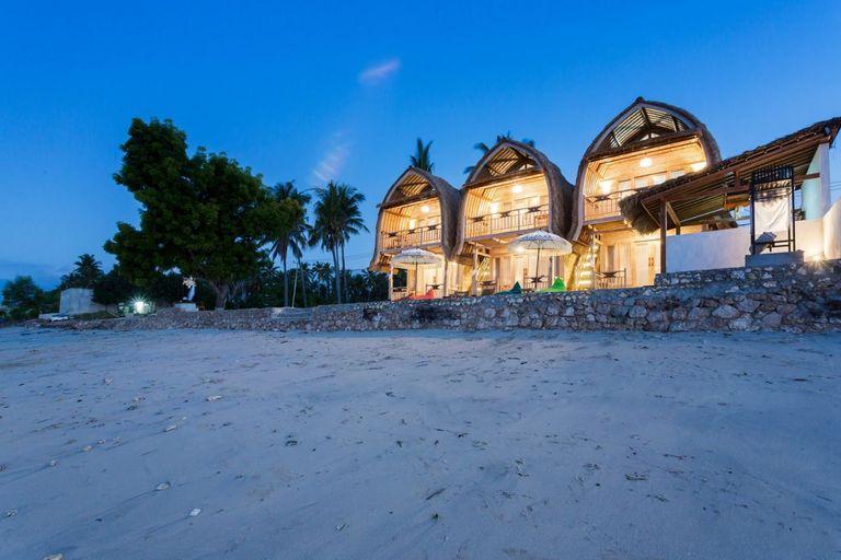 Road Beach Premier, Klungkung