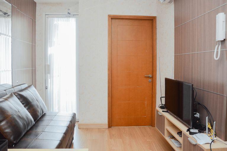 Warm and Modern Cozy 2BR @ Cinere Bellevue Apartment By Travelio, Depok
