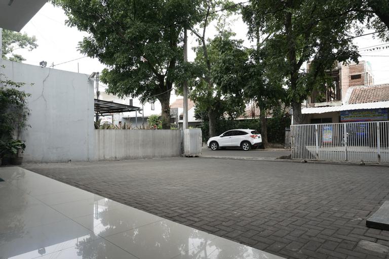 Residences by RedDoorz Syariah @ Buah Batu (Minimum 6 Nights), Bandung