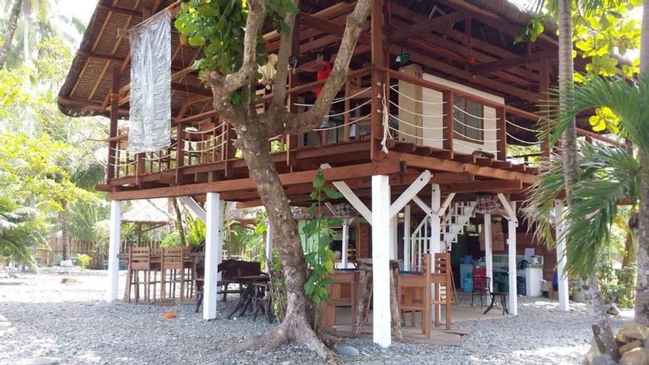 Babak Bungalows Surf and Yoga Resort, Lanuza