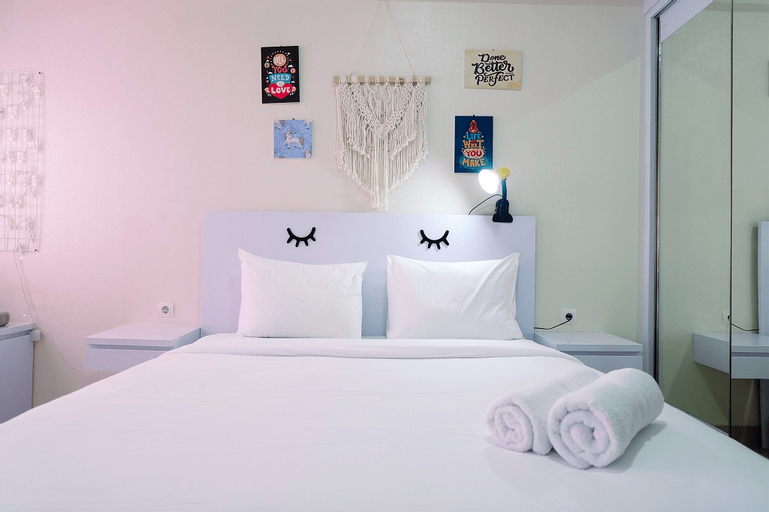 Simply White Studio The Oasis Apartment By Travelio, Cikarang