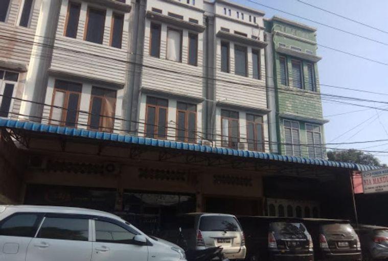 Nia Mandiri, Medan
