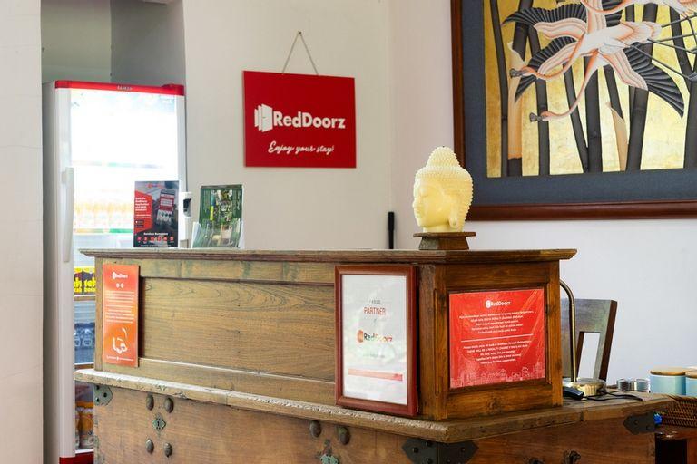 RedDoorz Plus Near One Bell Park Avenue, South Jakarta