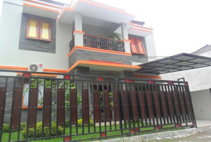 Simply Homy near Mall Ambarukmo Plaza ( 4BR 20 minutes to Malioboro), Sleman