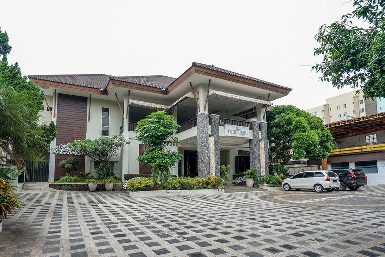 OYO 282 Putri Utari Guest House, Malang