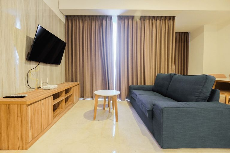 Modern 2BR at The Kensington Royal Suites Apartment By Travelio, Jakarta Utara