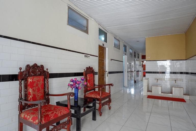RedDoorz Plus @ Alam Raya Hotel, Palu