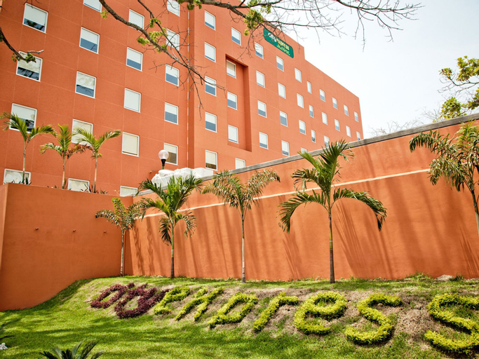 City Express Junior Villahermosa, Centro