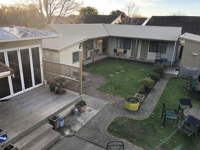 Almond House Hostel, Nelson
