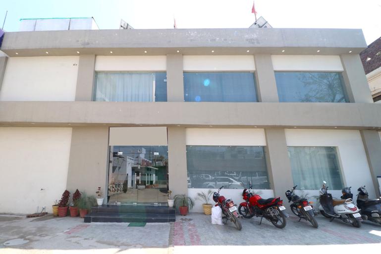 OYO 31026 Samrat Regency, Kapurthala