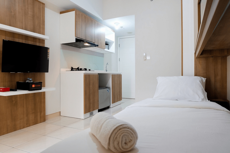 Comfy and Relaxing Studio at The Springlake Apartment By Travelio, Bekasi