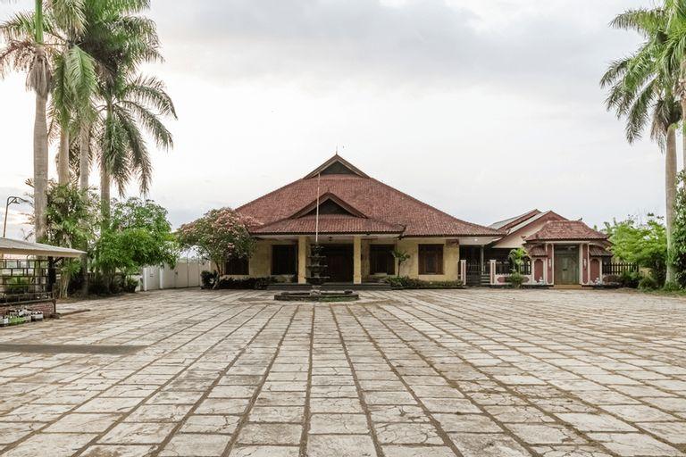 RedDoorz Syariah near Gor Ken Arok, Malang