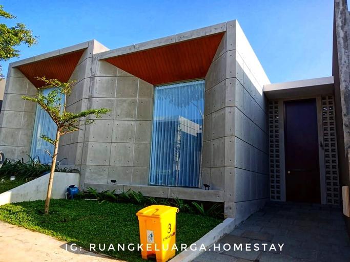 Ruang Keluarga Homestay, Malang