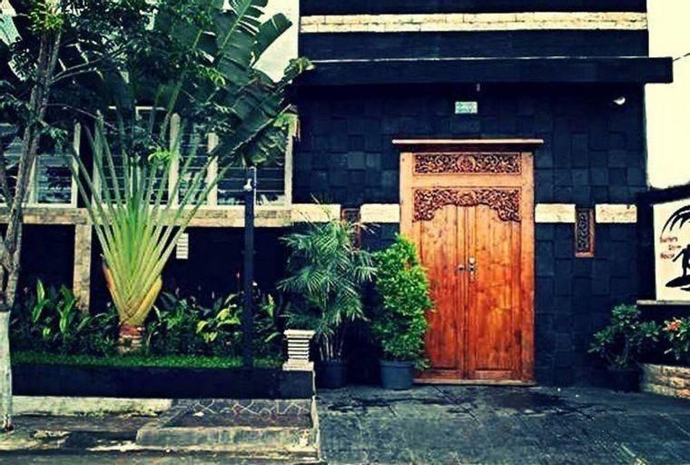 Surfers Dorm House, Badung