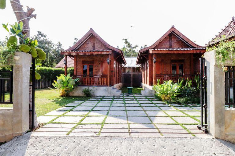 Omah Teras Bata Guesthouse, Bantul