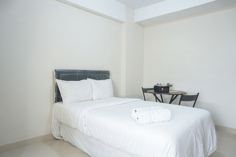 Fully Furnished Studio at Green Park View Apartment By Travelio, Jakarta Barat