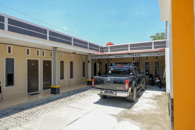 RedDoorz Syariah near Mutiara SIS Al Jufrie Airport Palu 2, Palu