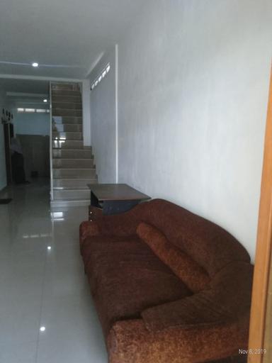 OYO 2237 Azzam Residence Syariah, Depok