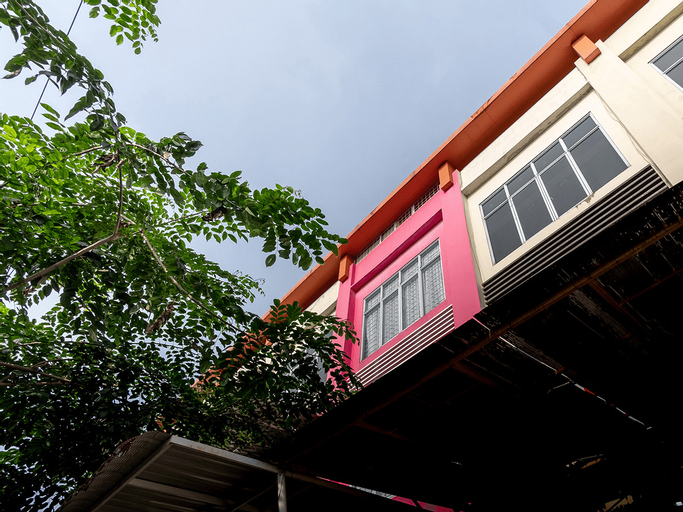 OYO 1557 Bungas Guest House, Medan