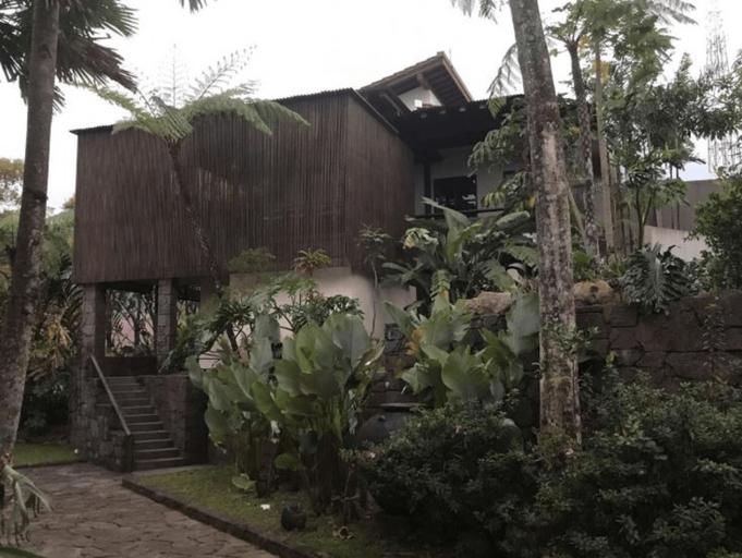 Villa Claket Alex, Mojokerto