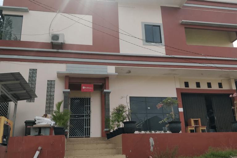 RedDoorz Syariah near BES Cinema Pangkal Pinang, Bangka