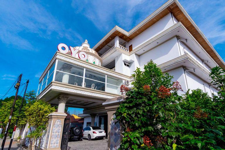 OYO 293 Mutiara Hijau Suites Syariah, Medan