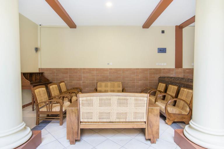 OYO 890 Dewi Fortuna Guest House, Yogyakarta