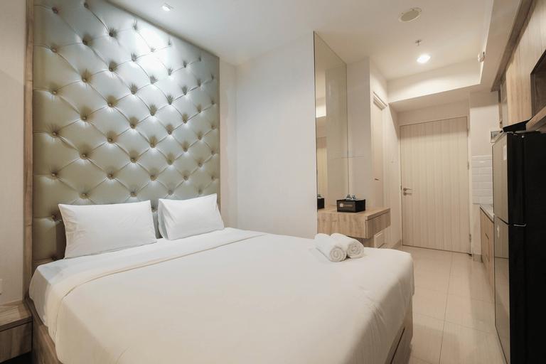 Minimalist and Homey Studio Grand Kamala Lagoon Apartment By Travelio, Bekasi