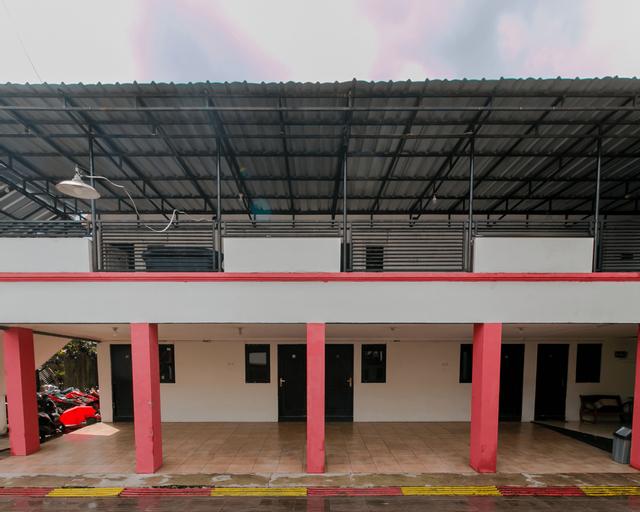 OYO 1866 Amazon Homestay Syariah, Sukabumi