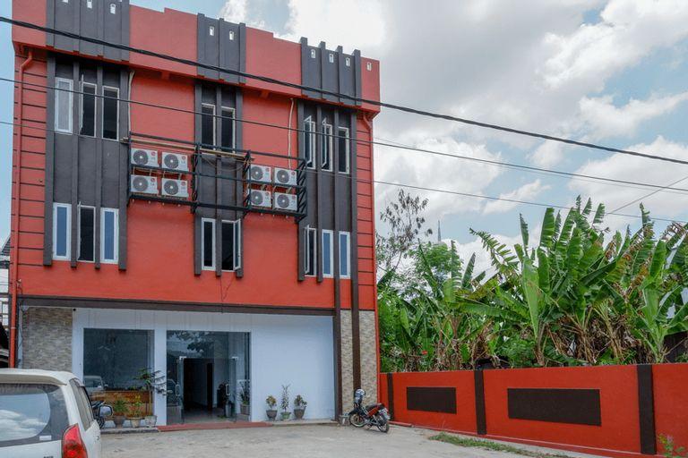 RedDoorz near Taman Kota Kendari, Kendari