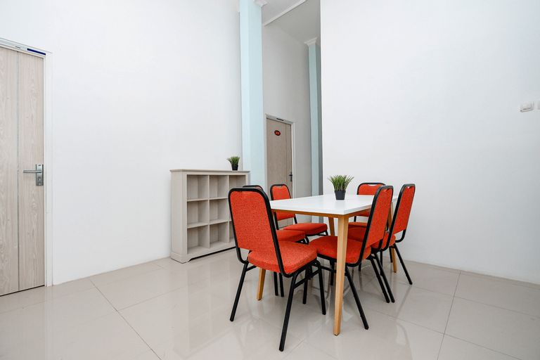 OYO 2782 Puspa Residence, Semarang