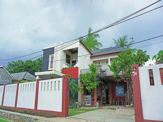 OYO 2860 The Castury Homestay Syariah, Pandeglang