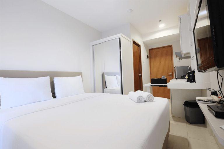 Budget Studio Apartment at Cinere Bellevue Suites By Travelio, Depok