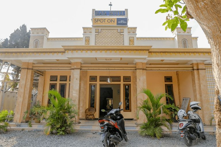 SPOT ON 1847 Hotel Maya, Blitar